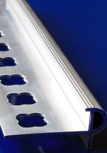"""APP – """"P"""" oblouk - Hliníkové lišty schodové"""